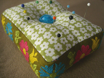 vintage-ribbon-pincushion.jpg