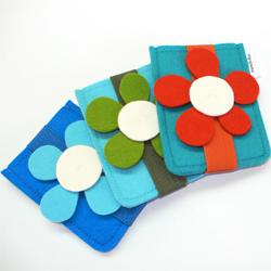 Ravelry: iPhone Purse pattern by Kyoko Nakayoshi