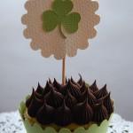 shamrock_cupcake_topper