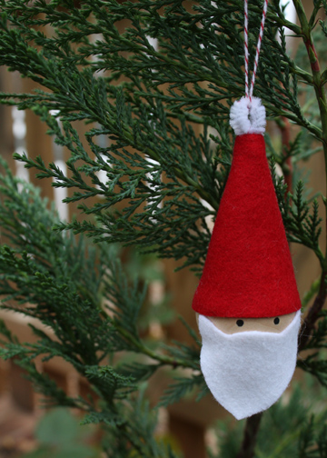 how-to: 10-minute santa ornament