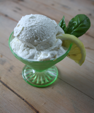 lemon-basil-ice-cream